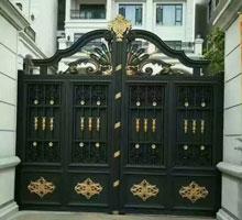 新乡李先生铸铝庭院大门