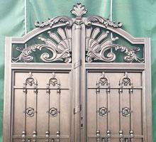 上海李先生铸铝庭院大门