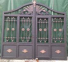 广州冯先生铸铝庭院大门
